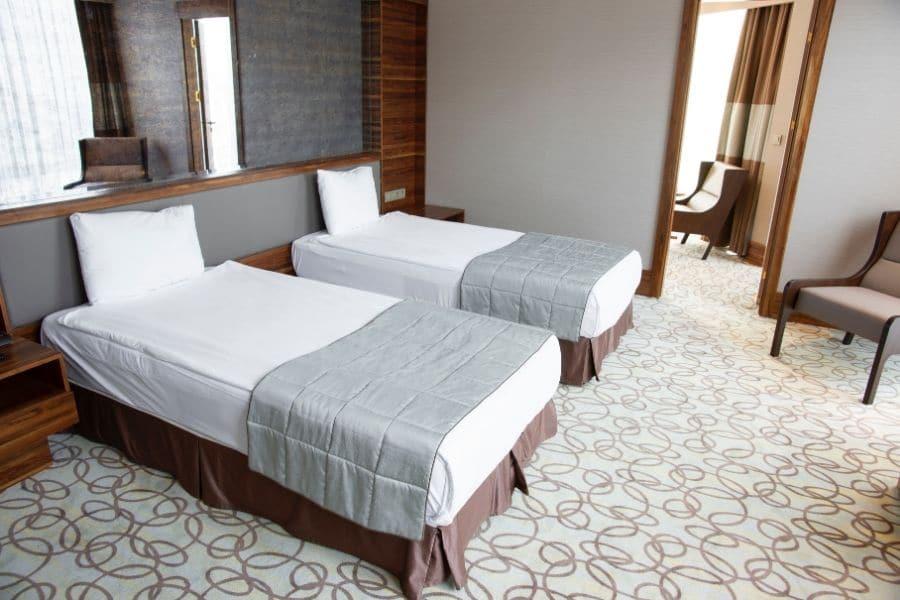 moquette chambre hôtel
